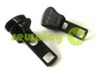 Slider SQUARE for tractor zipper type 8 black